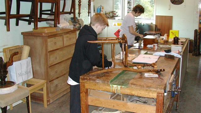 varnishing chair #3
